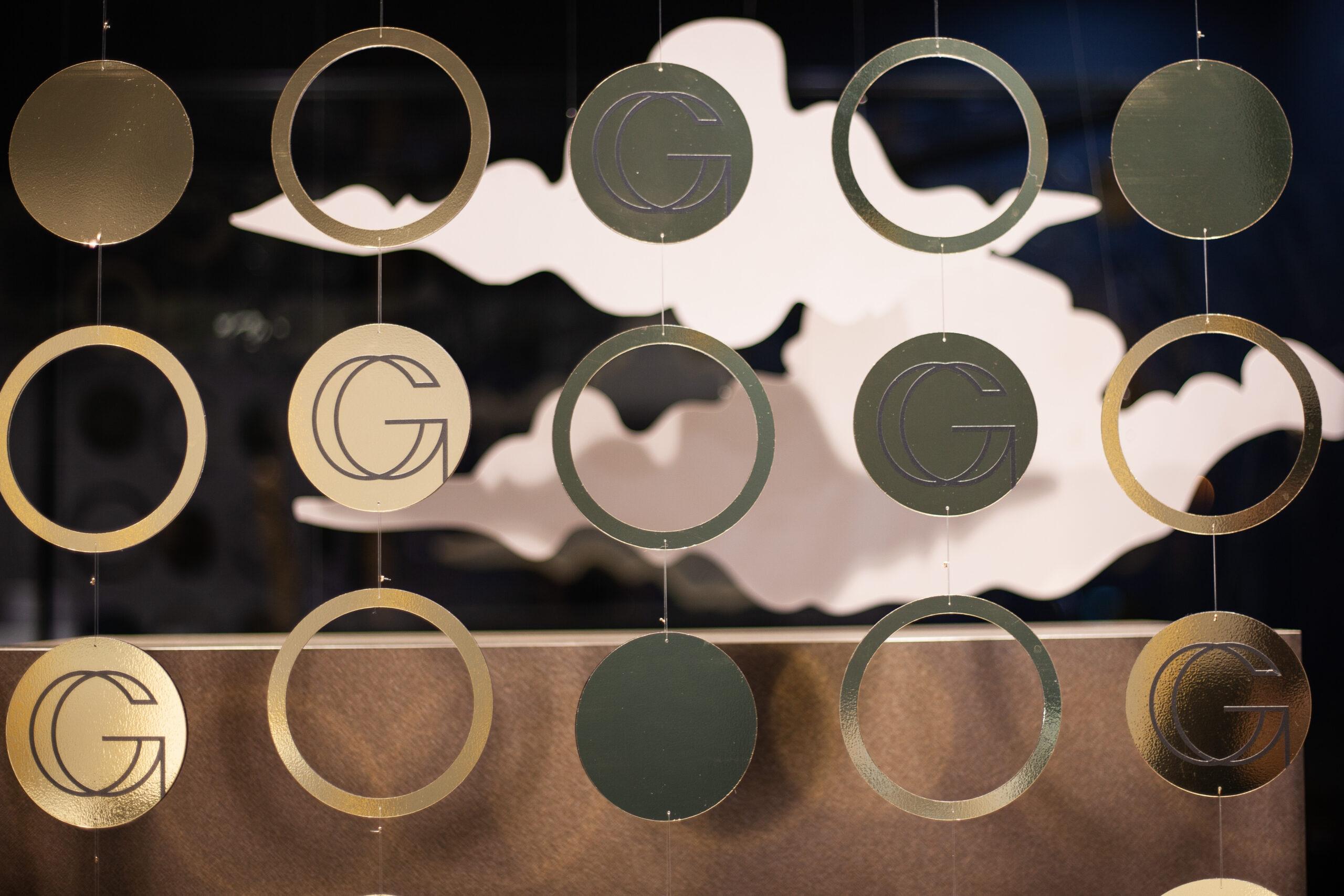 projektowanie witryn sklepowych jubiler gablota wystawa